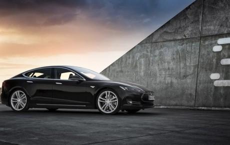 Tesla obtiene 325.000 reservas de su coche eléctrico más económico, el Model 3